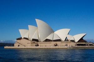 Jorn Utzon - Palacio de la Ópera de Sydney (terminada en 1973)