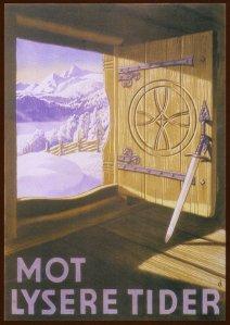 La imagen muestra un cartel realizado con ilustración en el que se ve un paisaje nevado a través de un puerta abierta de una cabaña de madera. El interior de la cabaña - se supone que donde está el espectador- está en sombra mientras que en el exterior la luz brilla y da a las montañas lejanas un  reflejo violeta. La puerta de la casa, que está abierta hacia dentro, está decorada con una talla en forma de círculo, a la manera de los escudos vikingos. Y apoyada en ella, una gran espada. Pulse para ampliar.