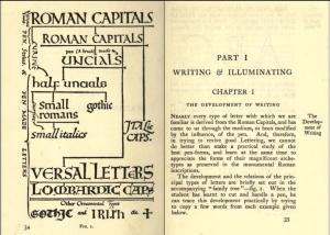 La imagen muestra un libro abierto en el que la página de la izquierda presenta un diagrama que resume de modo sintético la evolución de las caligrafías desde las mayúsculas romanas hasta las escrituras medievales. En la página de la derecha, comienza el capítulo I del libro en la parte dedicada a la escritura y a la decoración de los libros. Pulse para ampliar.