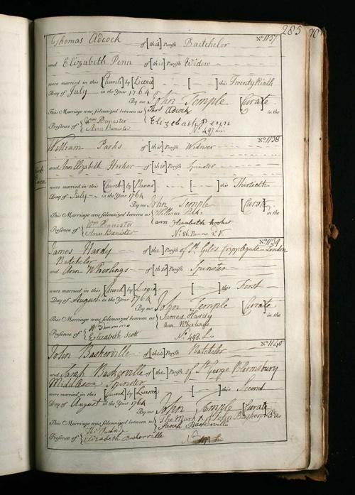 La imagen muestra una página de un libro de actas donde aparecen cuatro anotaciones de matrimonio. La última, en la parte inferior de la página, corresponde al matrimonio entre John Baskerville y su ama de llaves Sarah Eaves. Pulse para ampliar.