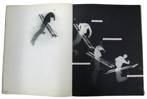La imagen muestra una doble página en la que se explica el modo de girar con los esquíes en paralelo a través de cuatro fotografías. Una en la página izquierda y tres en la derecha. Pulse para ampliar.