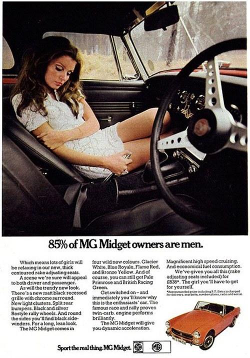 Años 70. MG Midget mujer copiloto