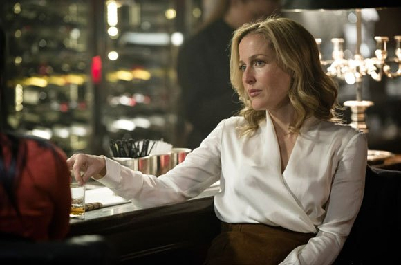 Gillian Anderson interpreta a la inspectora Stella Gibson en la serie The Fall