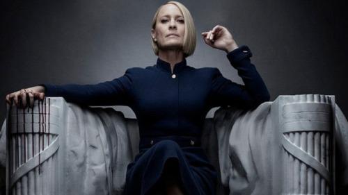 Robin Wright en el papel de Claire Underwood, la primera mujer presidenta de los EE.UU... en la ficción